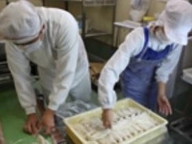店の製麺室にて毎日製麺する打ちたての生そばを提供しています。