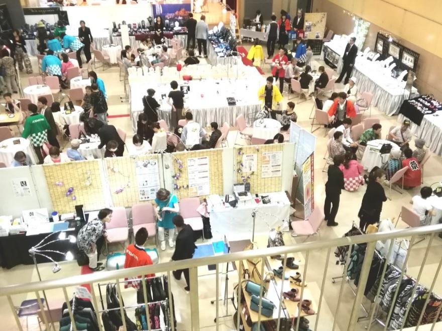 スエムネグループだけの宝石展示会を年2回開催しています!