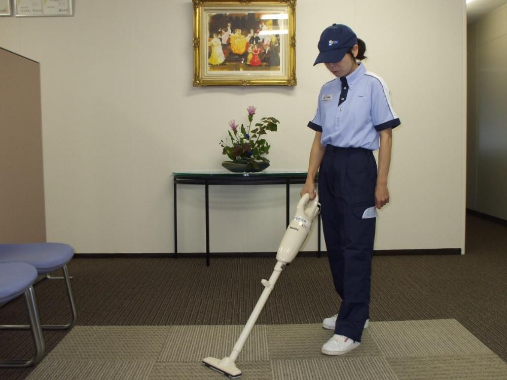 徹底した清掃は皆様のビジネスの効率やイメージを向上させます。